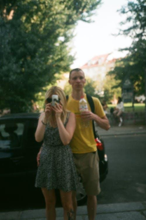 Бесплатное стоковое фото с досуг, женщина, зеркало, мужчина