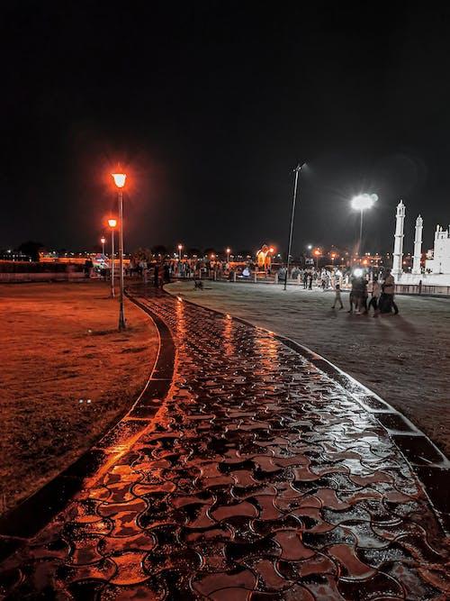 Foto profissional grátis de noite