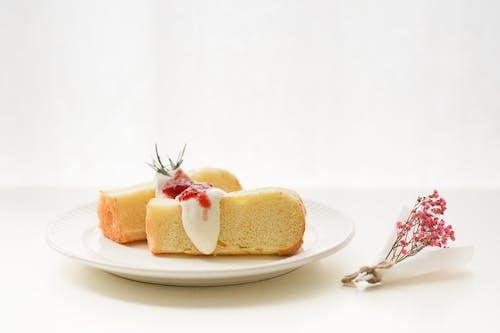 Gratis stockfoto met bestek, brood, cake, eten