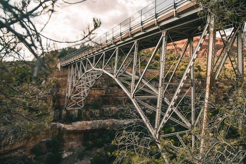 Fotobanka sbezplatnými fotkami na tému hory, midgley bridge, most, stromy