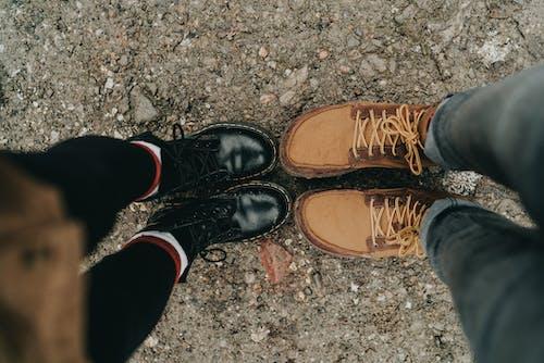 Безкоштовне стокове фото на тему «dr martens, великий план, взуття, ґрунт»