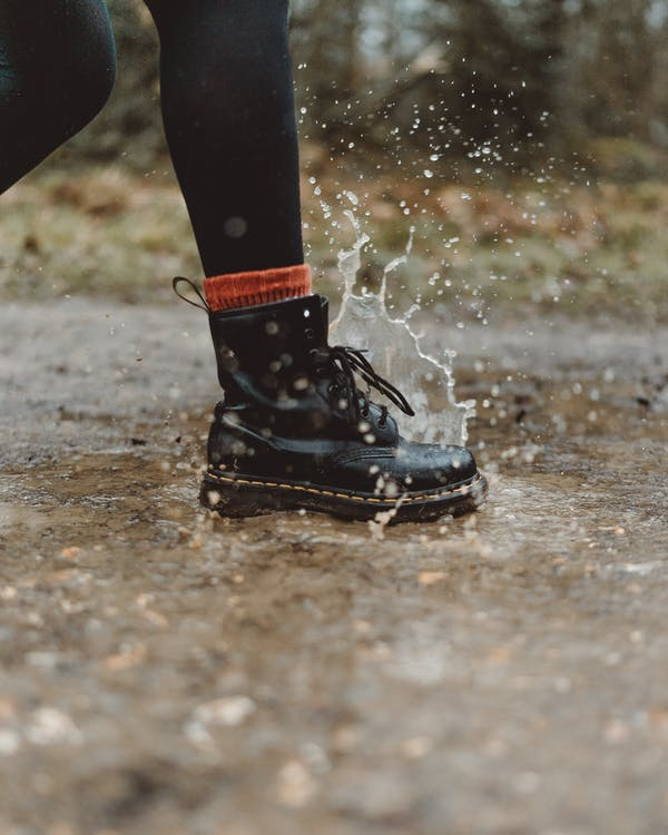 Fotos de stock gratuitas de al aire libre, botas, calzado