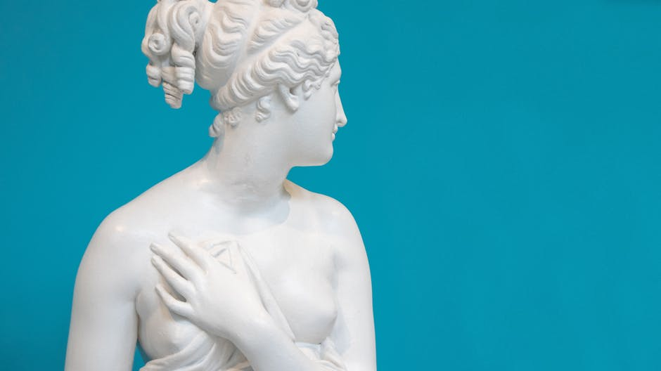 Photo of white statue