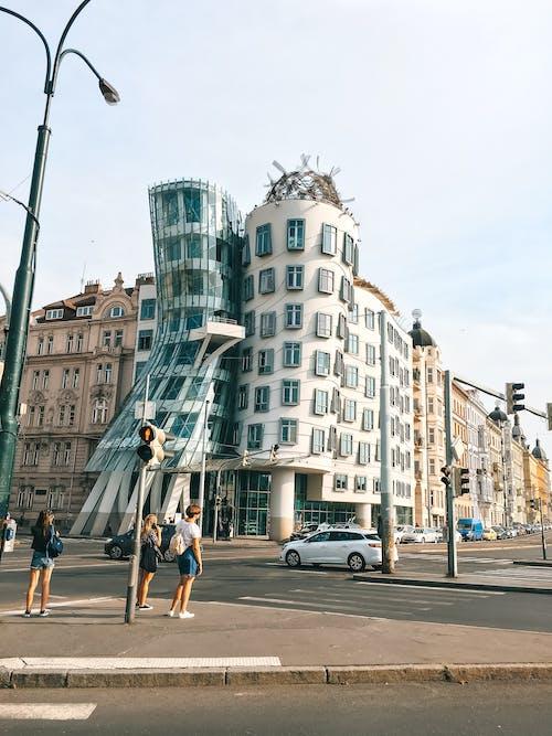 Immagine gratuita di architettura, architettura moderna, auto, business