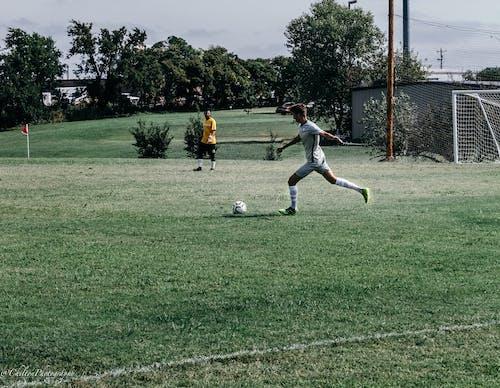 Futbol içeren Ücretsiz stok fotoğraf