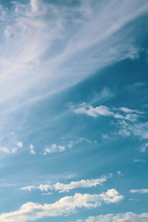 Foto d'estoc gratuïta de aire, ambient, cel, cel blau