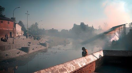 Darmowe zdjęcie z galerii z architektura, budynek, dym, krajobraz
