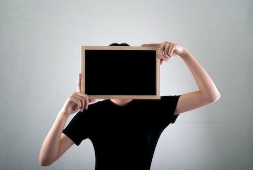 Kostnadsfri bild av ansiktslösa, lady, person, svart