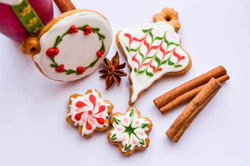 Бесплатное стоковое фото с праздничный, празднование, пряник, рождественское печенье