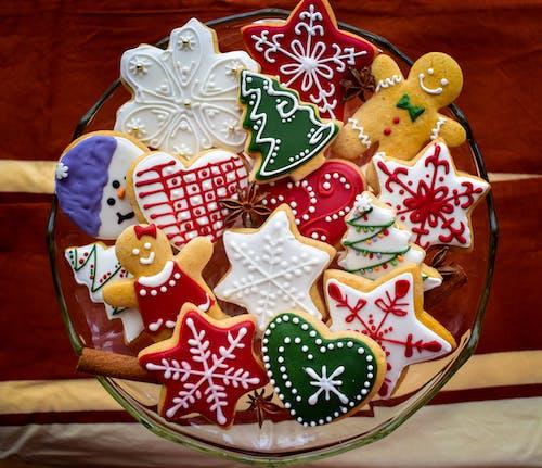 Darmowe zdjęcie z galerii z boże narodzenie, ciastka świąteczne, piernik, słodycze