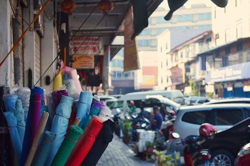çiftçi marketi, kumaşlar, renk içeren Ücretsiz stok fotoğraf