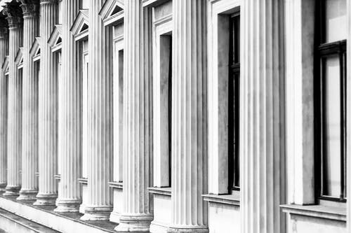 Immagine gratuita di architettura, arte, bianco e nero, classico