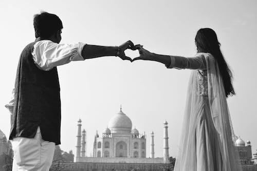 Foto d'estoc gratuïta de amor, cor, Índia, parella