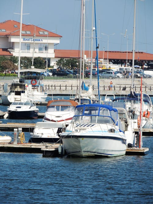 Gratis arkivbilde med båt, båter, blått vann, foto