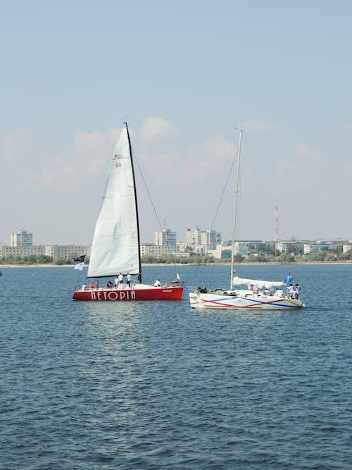Gratis arkivbilde med båt, båter, blå sjø, dyp sjø
