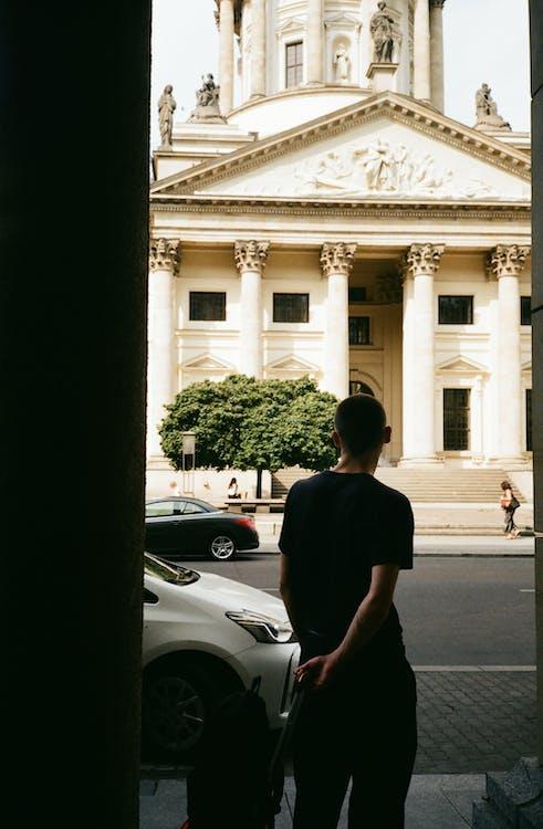 Man Wearing Black Shirt