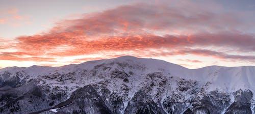 Gratis stockfoto met altitude, bergen, bergtop, besneeuwd
