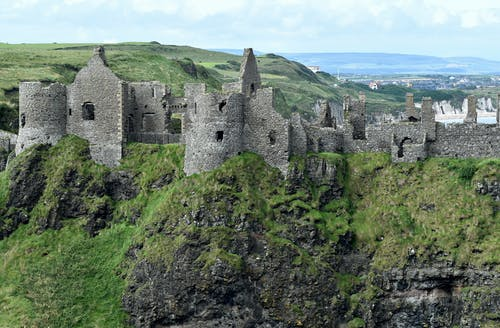 Foto profissional grátis de antrim, arquitetura, castelo, castelo dunluce