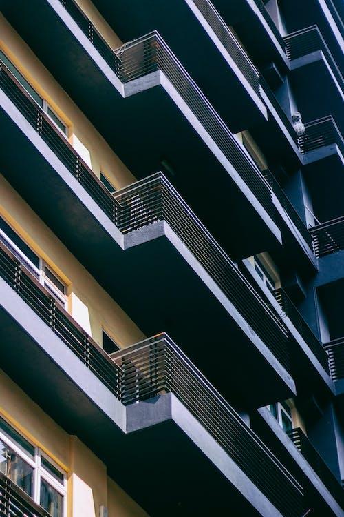 Immagine gratuita di appartamenti, architettonico, architettura, balconi