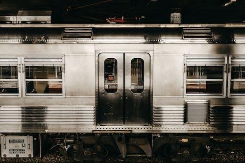 Fotobanka sbezplatnými fotkami na tému cvičiť, dopravný systém, lokomotíva, stanica