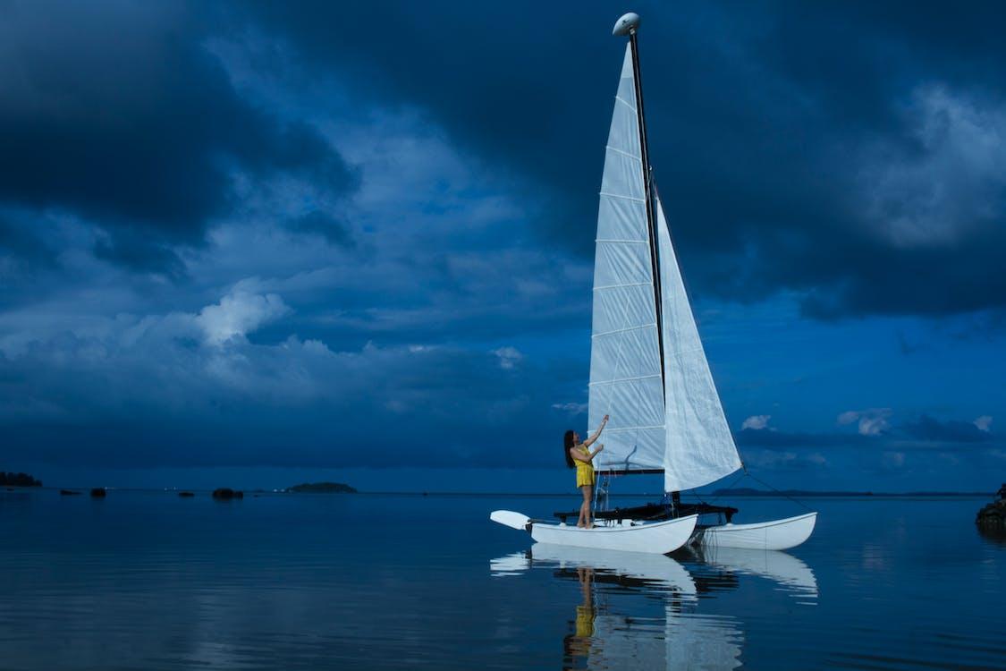 barca, dona, embarcació d'aigua