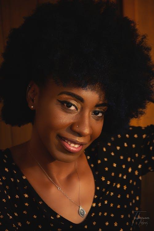 Ilmainen kuvapankkikuva tunnisteilla 20-25-vuotias nainen, afroamerikkalaiset naiset, brändi, dame