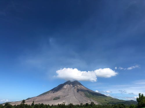 Free stock photo of hijabtraveller, mountain, Sinabung, sumatera