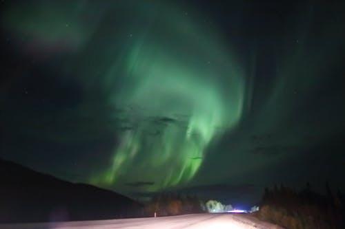 Ilmainen kuvapankkikuva tunnisteilla alaska, aurora borealis, Kanada, revontulet
