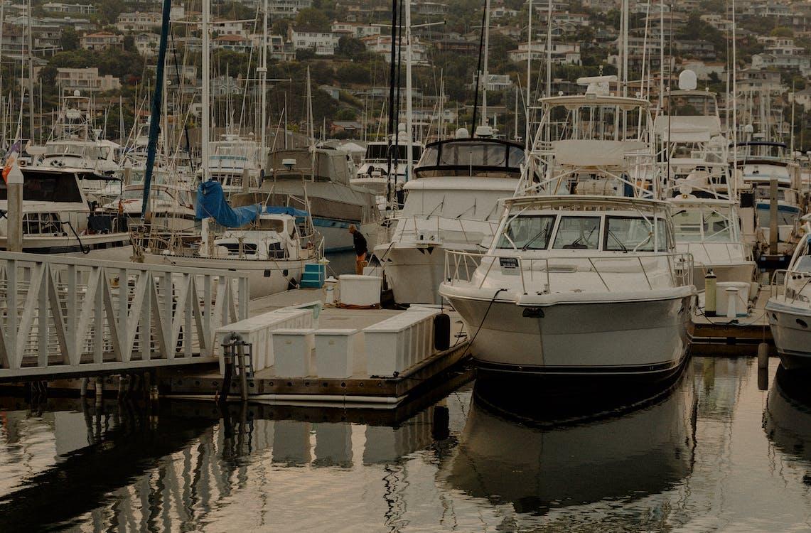 csónakok, dokk, jachtkikötő