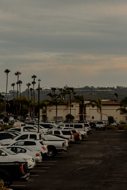 Gratis arkivbilde med biler, kjøretøy, parkert, transportsystem