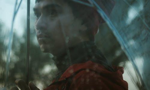 Základová fotografie zdarma na téma deštník, muž, obličej, osoba