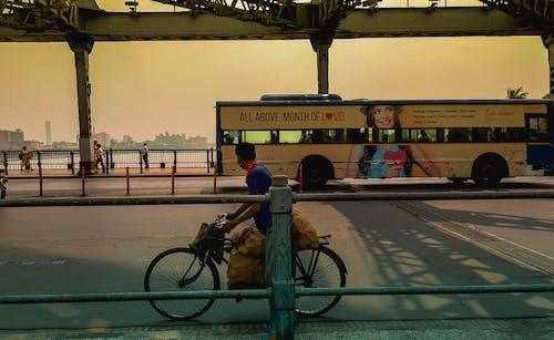 Ilmainen kuvapankkikuva tunnisteilla arkkitehtuuri, bussi, elämä, howrah silta