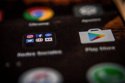 Fotobanka sbezplatnými fotkami na tému sociálne médiá, technológie