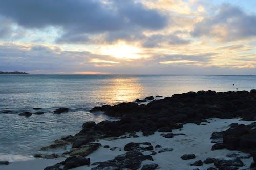 Ảnh lưu trữ miễn phí về bãi biển sỏi, bầu trời buổi tối, biển xanh, bờ biển