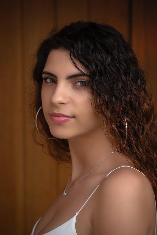 Ilmainen kuvapankkikuva tunnisteilla 20-25-vuotias nainen, afroamerikkalaiset naiset, asetelma, hymiö