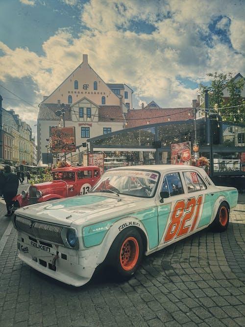 Darmowe zdjęcie z galerii z ryga, samochód wyścigowy, stare miasto