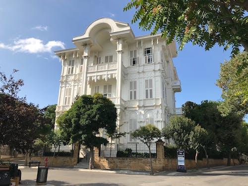 Fotobanka sbezplatnými fotkami na tému architektonický dizajn, biele domy, Istanbul, rodinný dom