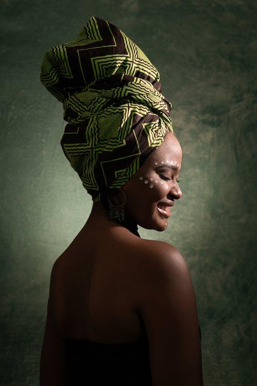 африканська жінка, афро-американська жінка, вид збоку