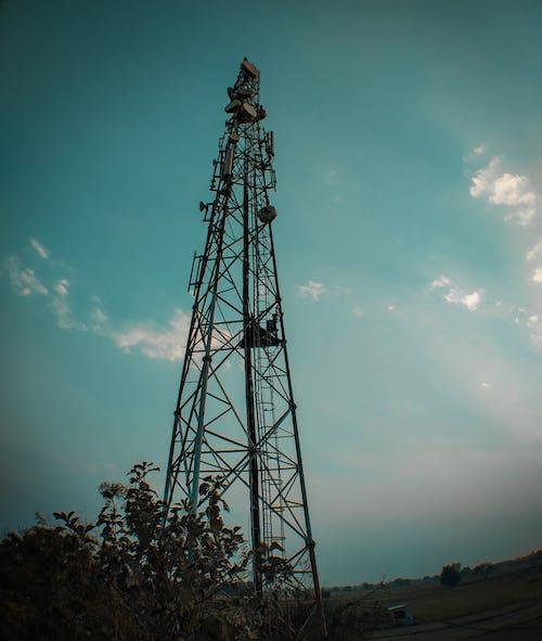 Foto profissional grátis de azul, céu azul, torre de celular
