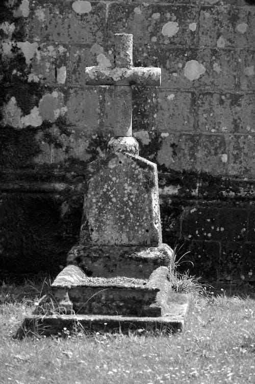 Gratis arkivbilde med ancien, chretien, cimetière, croix