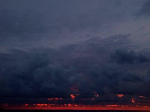 검은 하늘, 밤, 붉은 구름, 붉은 하늘의 무료 스톡 사진