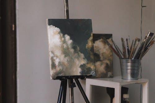 Gratis arkivbilde med artist, kunst, kunstatmosfære, kunststudio