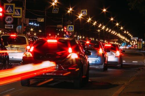 城市, 汽車, 燈光, 紅色 的 免费素材照片