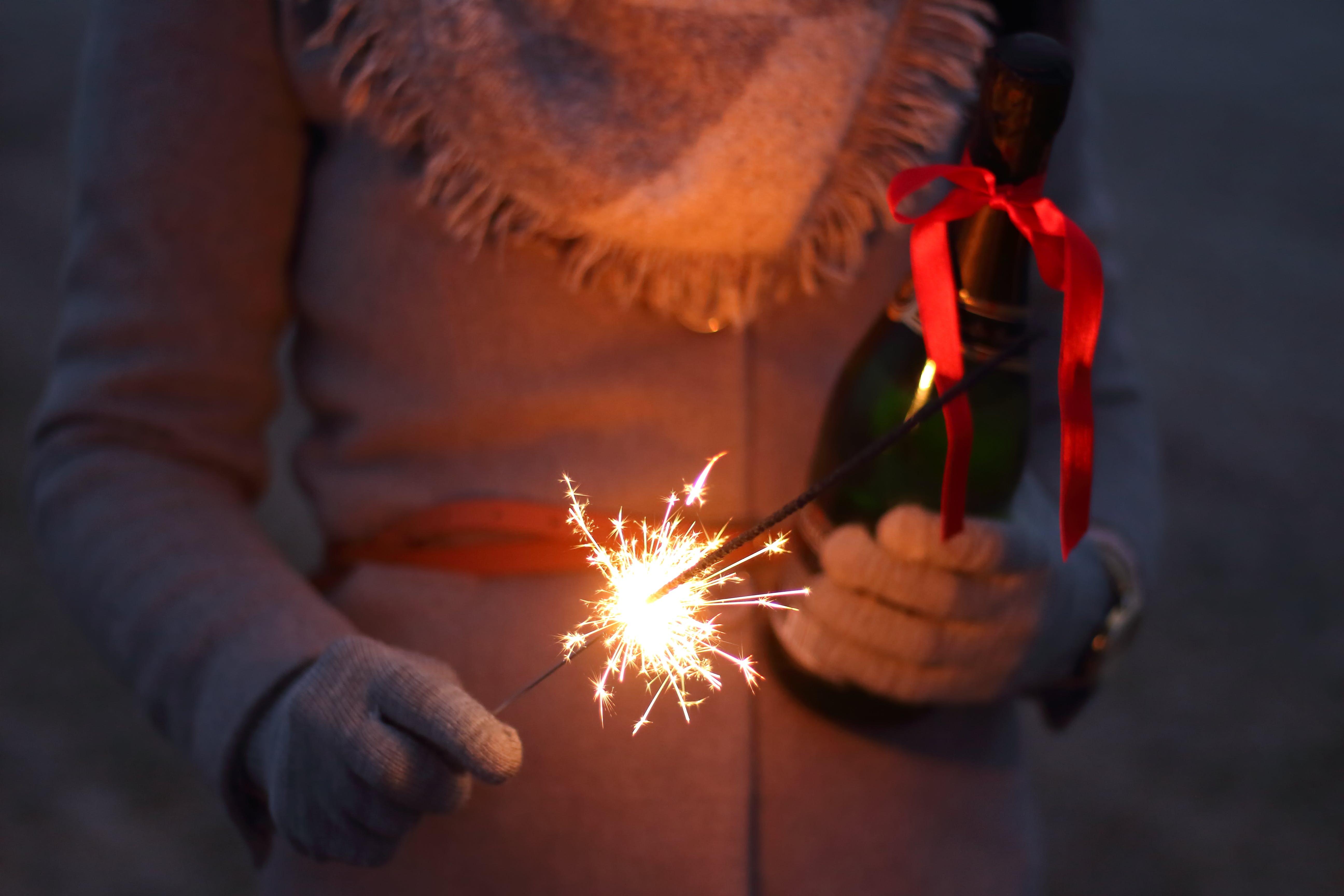 Kostenloses Stock Foto zu champagner, dunkel, feier, flamme