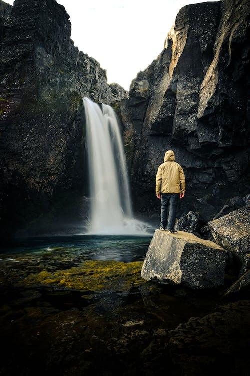 avontuur, Bemoste rotsen, berg