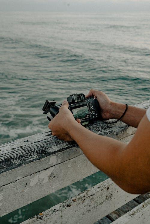 Δωρεάν στοκ φωτογραφιών με dslr, ακτή, αναψυχή, άνδρας