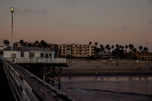 Photos gratuites de architecture, bâtiments, bois, bord de l'eau