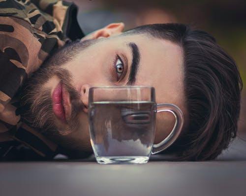 Immagine gratuita di bevanda, bicchiere, drink, occhio