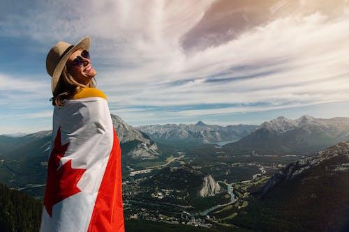 คลังภาพถ่ายฟรี ของ ความสุข, ธง, ธงแคนาดา, ผู้หญิง
