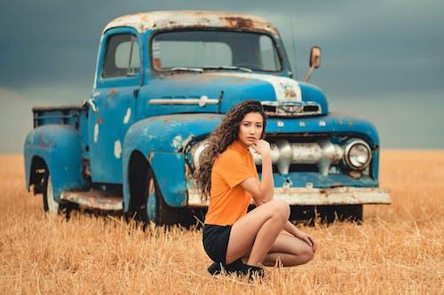 Fotos de stock gratuitas de automotor, automóvil, camión, campo
